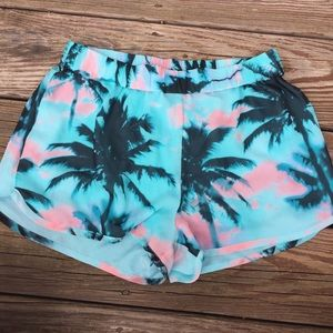 Tropical Print Mid Rise Dolphin Shorts